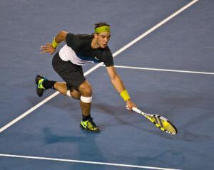 Rafael Nadal bei den Australian Open 2009 mit grünem Stirnband.